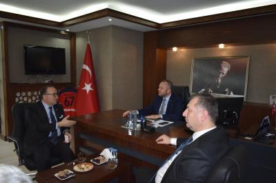 Türkiye Odalar ve Borsalar Birliği (TOBB) Yönetim Kurulu Başkan Yardımcısı ve Kocaeli Sanayi Odası Yönetim Kurulu Başkanı Ayhan Zeytinoğlu Odamızı ziyaret etti.